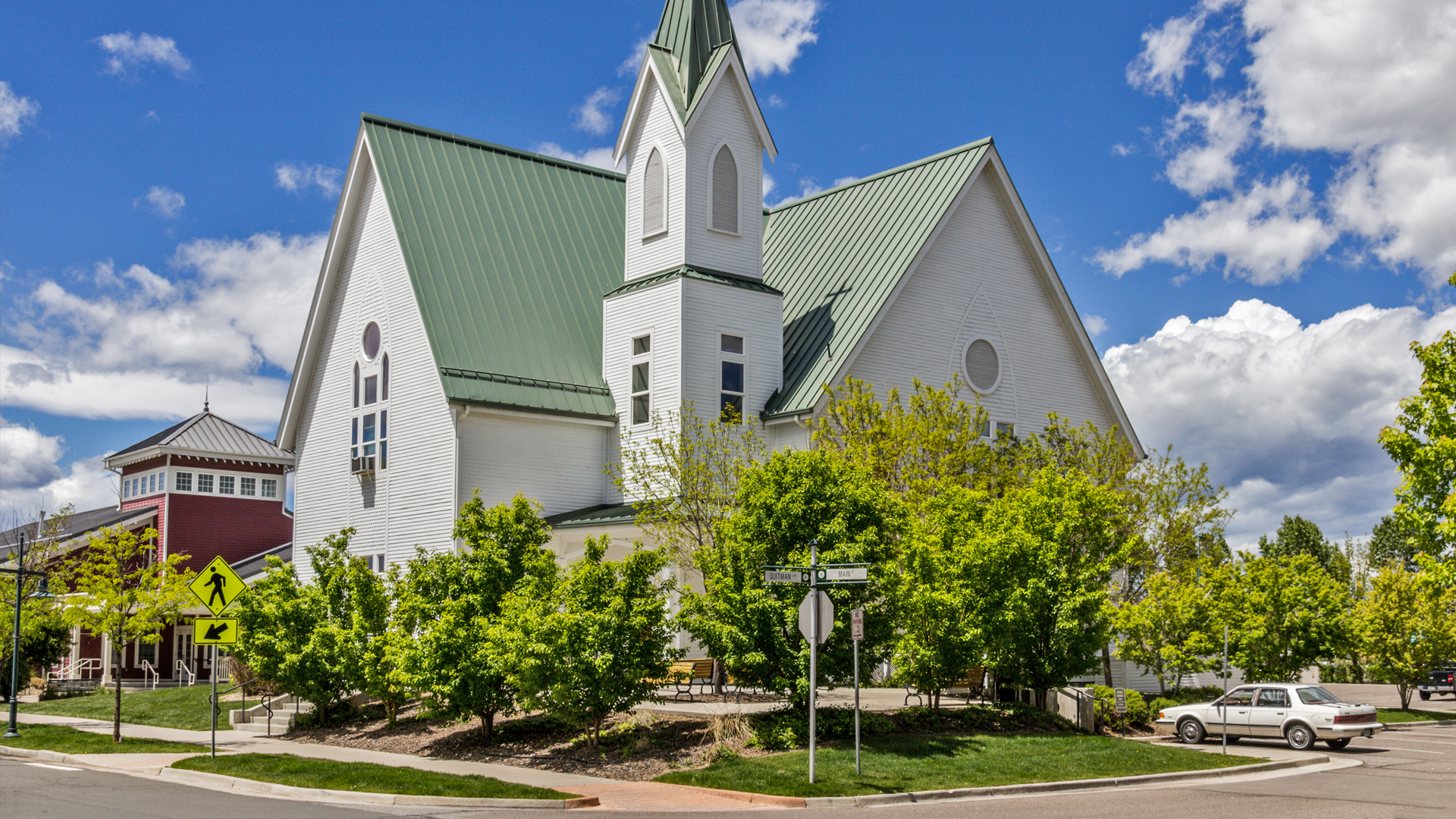 <p>Life at Bradburn Village includes churches, the recently built Adams County Charter School serving middle and high school students and two separate day care facilities.</p>